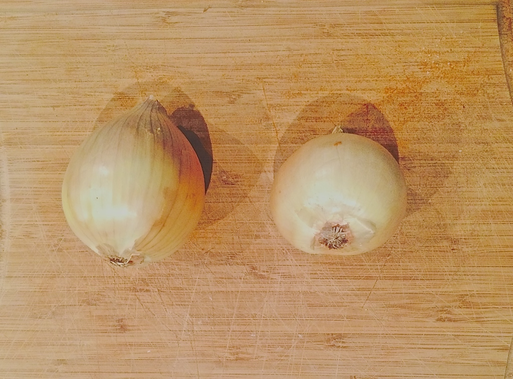 Onions for a healthy chicken tikka masala